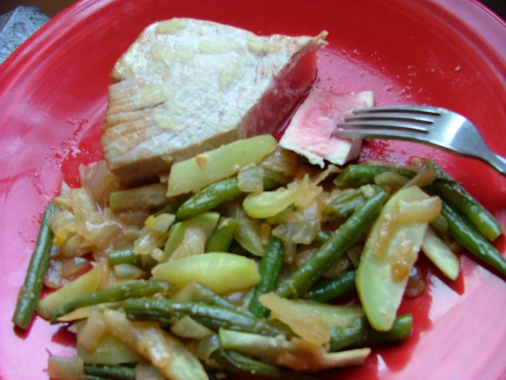 Tuna Steak with Ginger Garlic Green Beans & Kohlrabi