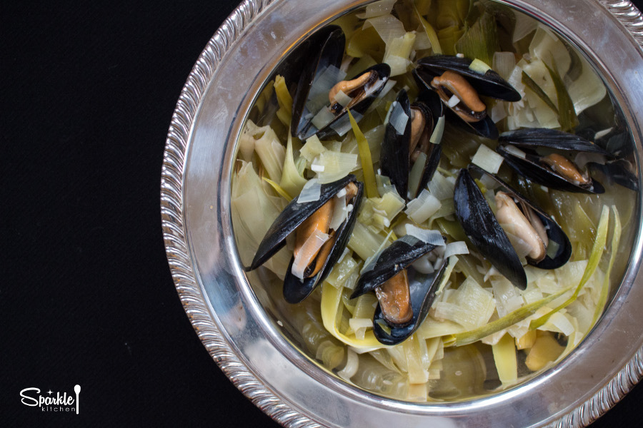 Steamed Mussels with Leeks, Garlic and White Wine ...